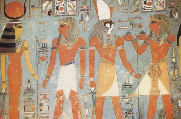Древние египтяне первыми начали вязать и носить цветные носки