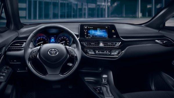В США отзовут 700 кроссоверов Toyota C-HR