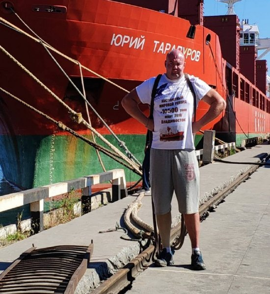«Русский гигант» из Приморья сдвинул на полметра теплоход массой 11 тысяч тонн