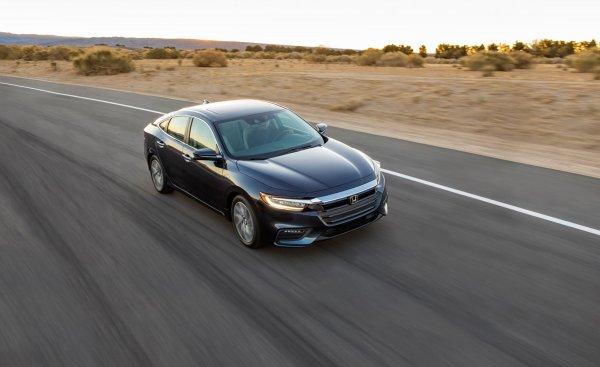 Honda готовится к продажам нового седана Honda Inspire