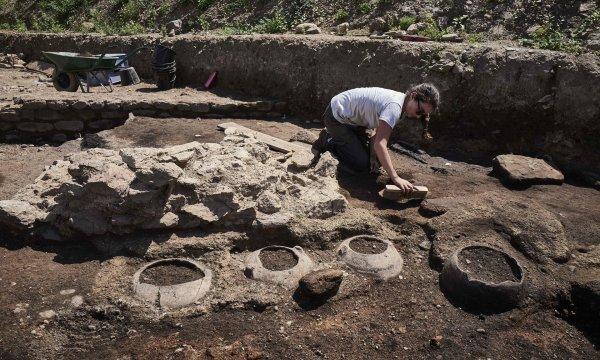 В римском поселении Уэльса археологи нашли удивительные артефакты