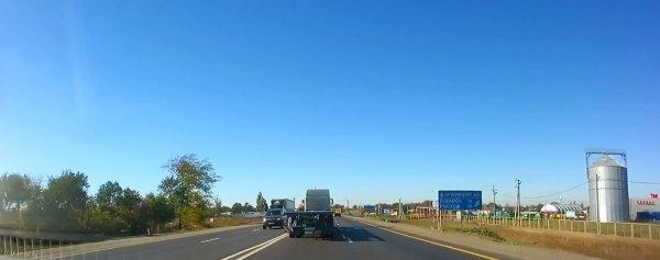 «Хитрая разметка»: В сети пожаловались на неудачную транспортную развязку М4 «Дон»