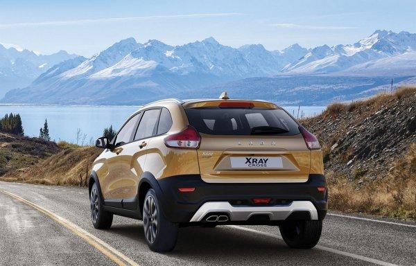 «Недокроссовер и перехетчбек»: Чем LADA XRay Cross лучше Hyundai Creta объяснил блогер