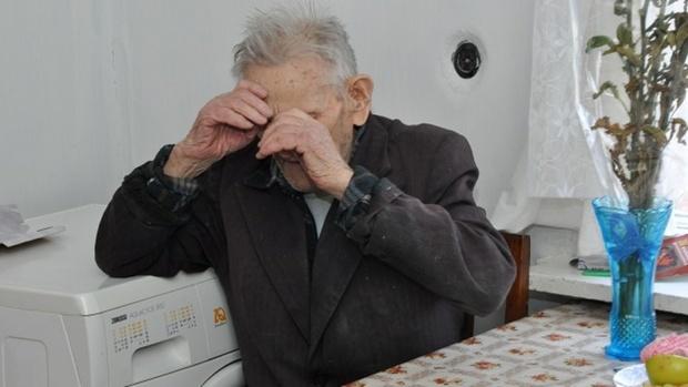 Под Тюменью внук незаконно оформил на себя автомобиль деда