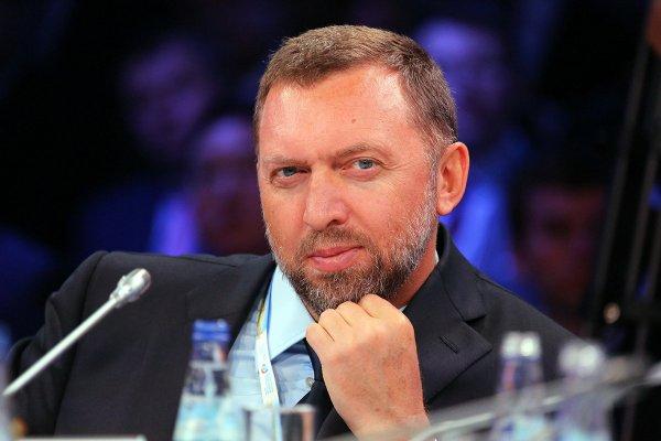 Компания Дерипаски меняет юрисдикцию на российскую