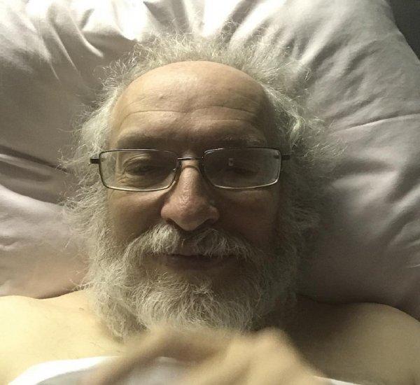 «Наркоз покинул меня»: Главред «Эха Москвы» очнулся после операции на почке