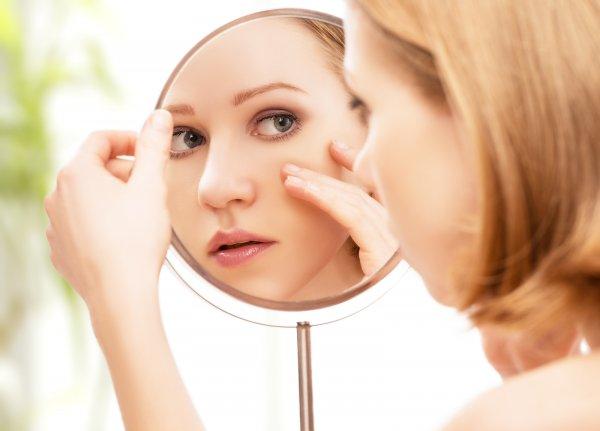 Ученые: Витамин В12 поможет избавиться от прыщей и проблем с кожей