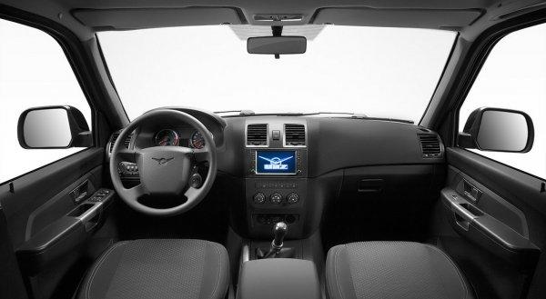 Сломались дверь и парктроник: Автоледи рассказала о проблемном УАЗ «Патриот»