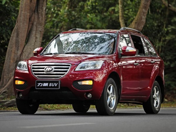 «Шнива» против «китайчонка»: Эксперты сравнили Chevrolet Niva и Lifan X60