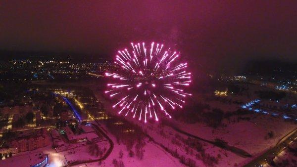«Салюты и детское шампанское»: О прелестях празднования Нового Года на М4 «Дон» рассказали в сети