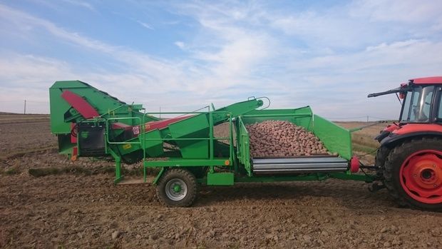 В Тюменской области мужчина погиб, убирая картофель