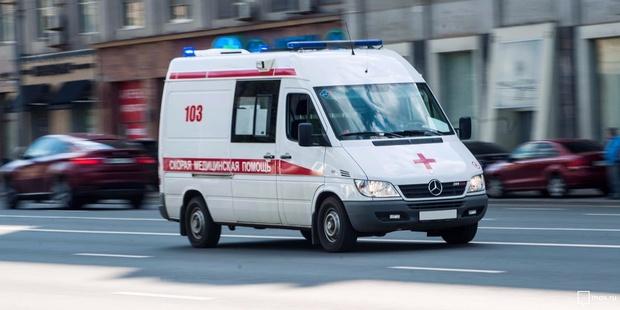 Весь в крови: в Тобольске неадекват избил водителя скорой, приехавшей на вызов