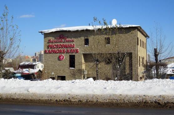 В Тюмени из ресторана эвакуировали более 100 человек