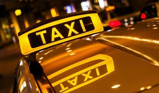 Водитель такси жестоко избил пассажирку за неудачную шутку