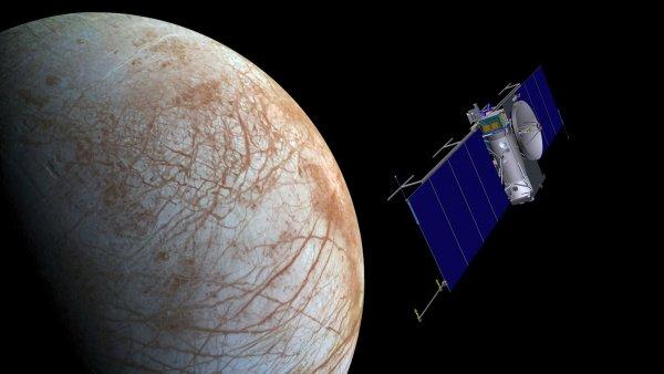 Уфологи-любители нашли доказательства существования «секретной базы» на Луне