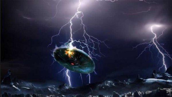 Гигантский НЛО во время грозы напугал жителей Австралии – уфологи