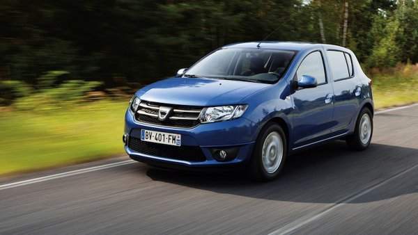 «За что 800 тысяч?»: Автоблогер откровенно рассказал о новом Renault Sandero