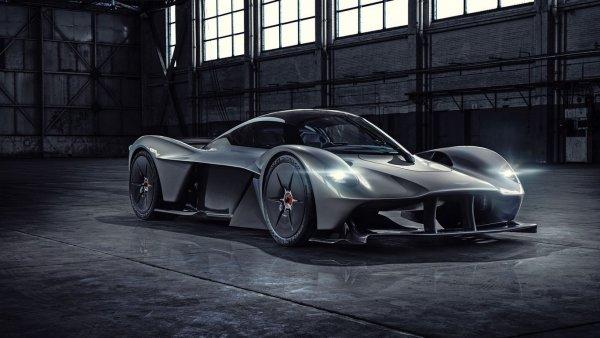 Aston Martin показал мотор гиперкара Valkyrie