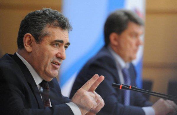 О сокращении количества жалоб от родителей сообщил глава Департамента образования и науки Москвы Исаак Калина
