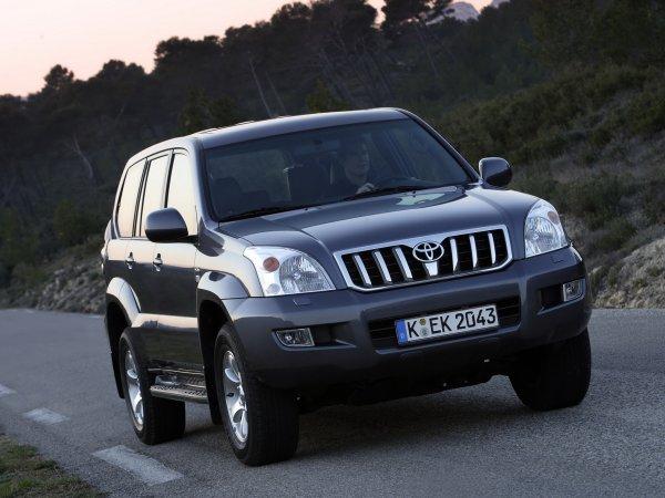 «Прадо» особого назначения: Странные дорожные работы с участием Toyota LC Prado озадачили сеть