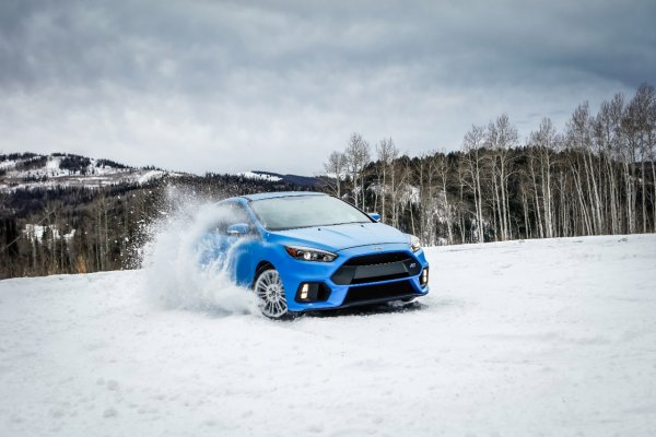 «Лучше бы был перекрашенным»: Состояние ЛКП подержанного Ford Focus ужаснуло автоподборщиков