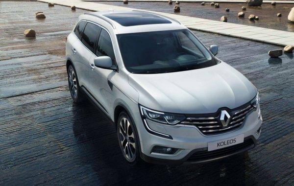 «Это тест-драйв москвичек?»: В сети высмеяли «странный» обзор Renault Koleos