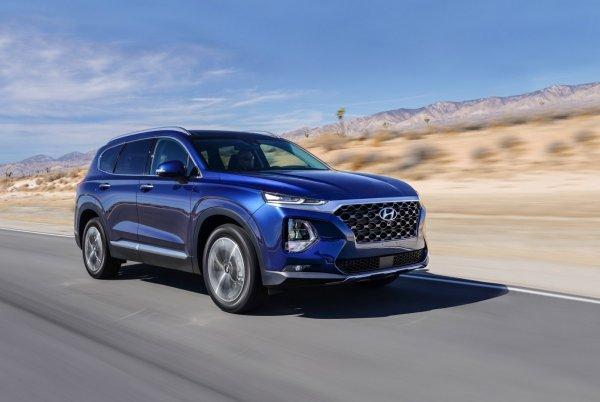 «Оба идеальны по-своему»: Эксперты попытались сравнить Hyundai Santa Fe и Mazda CX-9