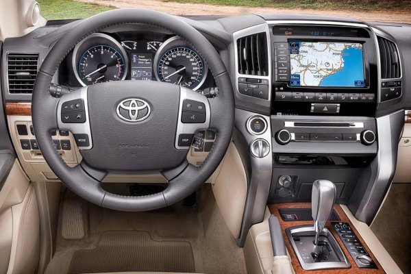 «Крузак уровня Майбах»: Что можно сделать с Toyota Land Cruiser 200 показали тюнеры