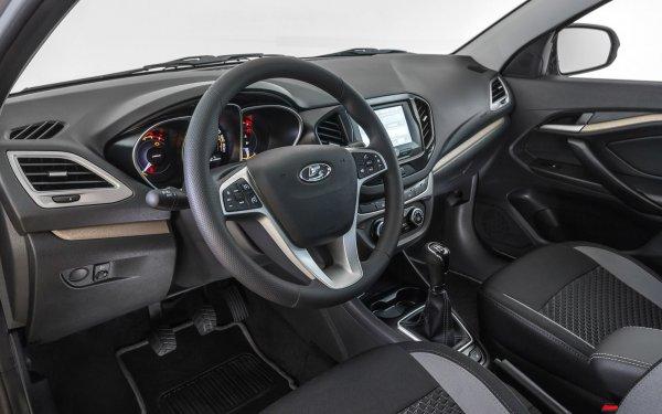 «Это вам не неженка иномарошная»: Владельца LADA Vesta порадовало дешёвое содержание авто