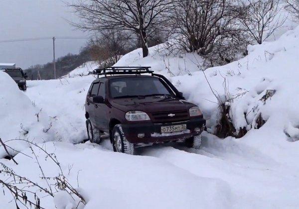 «Шнива» на офф-роуде: Детище «GM-АвтоВАЗ» посоревновалось с «Нивой» и «Патриотом»