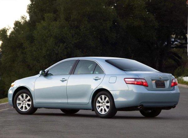 «Как автохлам, так и идеал»: Блогер рассказал, можно ли найти хорошую Toyota Camry с пробегом