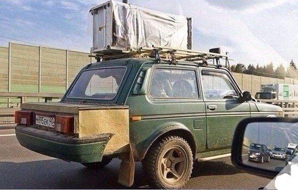 «Морг на колёсах»: «Ниву», превращенную в ВАЗ-2199, высмеяли в сети