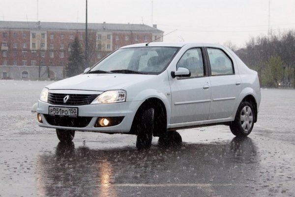До и после: В сети показали, как «убитый» Renault Logan готовят к перепродаже