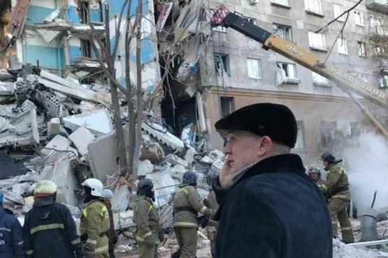 Судьба 30 жителей обрушившегося подъезда жилого дома в Магнитогорске остается неизвестной