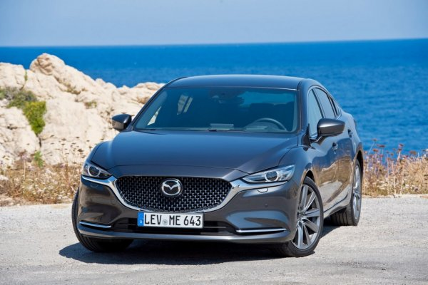 «И хочется, и колется»: Своими впечатлениями от Mazda 6 поделился обзорщик