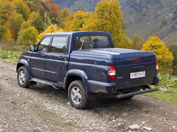 «Женская машина?»: Подходит ли УАЗ «Пикап» для автоледи, выяснил обзорщик