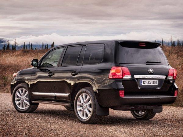 «Крузак»-долгожитель: О состоянии Toyota Land Cruiser 200 с пробегом 700 000 км рассказал владелец