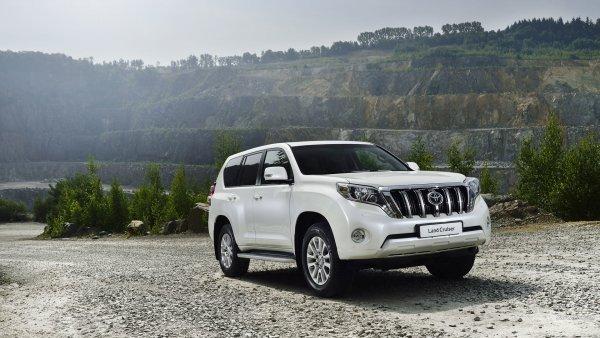 Атака клонов: Toyota Land Cruiser Prado встретился «лицо к лицу» со своим «убийцей» Haval H9