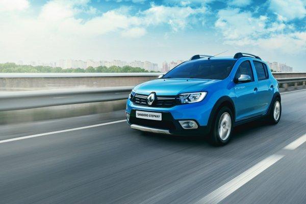 «Типичный городской автомобиль»: Renault Sandero Stepway на заснеженном бездорожье испытали блогеры