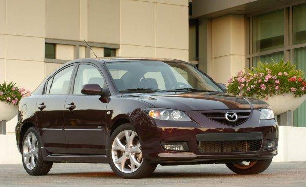 «Хуже, чем автохлам»: Как не «попасть» при покупке Mazda 3 с пробегом, рассказал эксперт