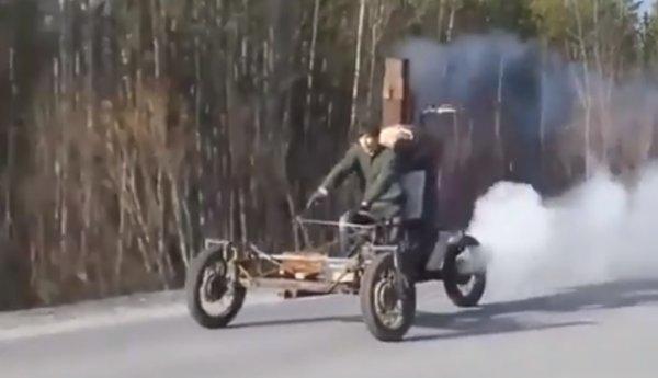 «Да это же русский Генри Форд!»: Сеть «взорвал» «Емеля» на машине-печке, работающей на дровах