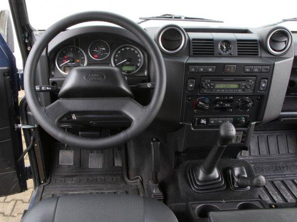 «Взорвал мозг»: Эксперт поделился впечатлениями от «УАЗика за  000» – Land Rover Defender 110