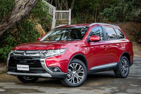 «Куда катится современный автопром?»: На недостатки Mitsubishi Outlander 2018 пожаловался блогер