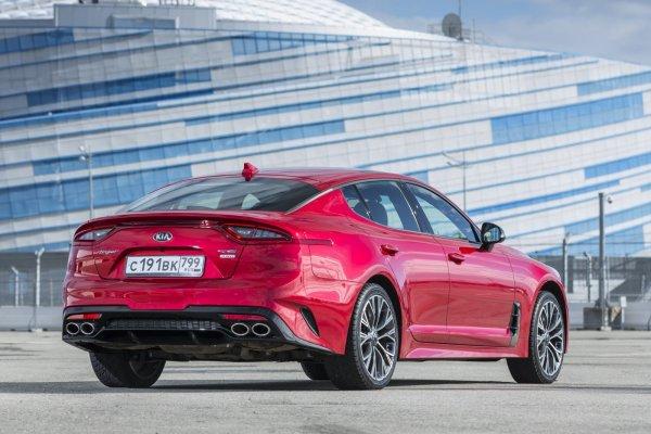 «Пощечина мегабрендам»: Эксперт рассказал об «убийце» Mercedes CLA и BMW 4-Series в лице KIA Stinger