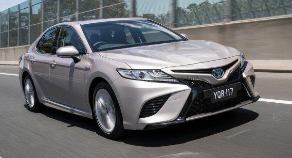 «Недоработали, сэкономили!»: Основные проблемы Toyota Camry XV70 назвал владелец «японца»