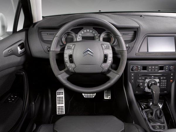 «Стоит ли покупать»: Эксперт развеял мифы о ненадежности Renault, Peugeot и Citroen