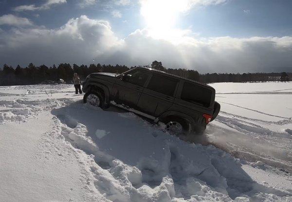 «Не хуже Крузака»: УАЗ «Патриот» уделал Toyota Land Cruiser Prado 90 на бездорожье