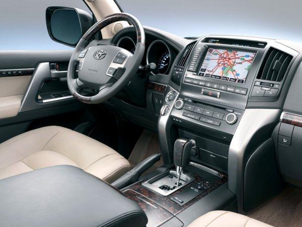 Автоподборщик показал, какой Toyota Land Cruiser 200 можно купить за 3,5 млн
