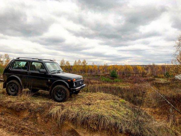 «АвтоВАЗ» идёт ва-банк»: Обзорщик «разнёс» LADA 4x4 Bronto за «качество» и высокую цену