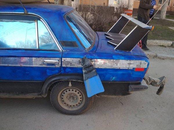 «Ласты шевелятся, антенна машет»: «Колхозный» тюнинг ВАЗ-2106 по-ростовски удивил сеть